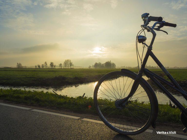 Rust op platteland fietstocht Gouda kaas & molen Verita's Visit bike tour outside Amsterdam
