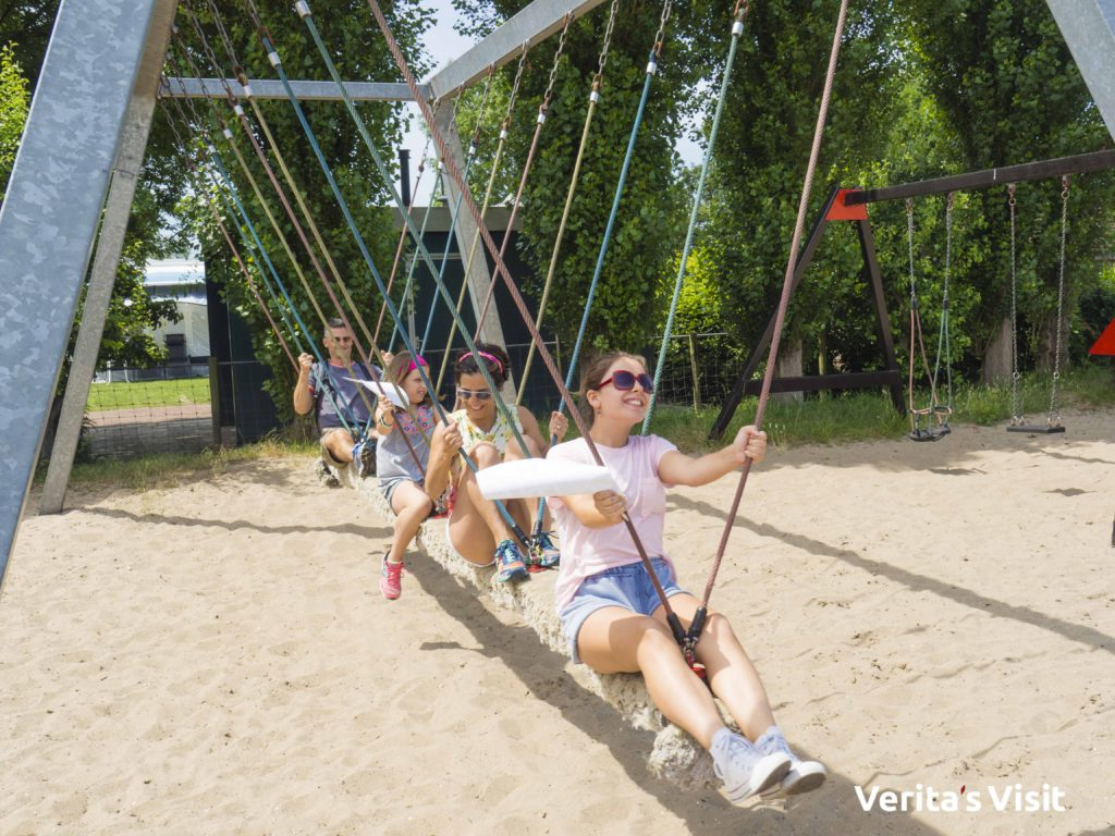 Family time bike tour Delft playground stop Verita's Visit familie uitje