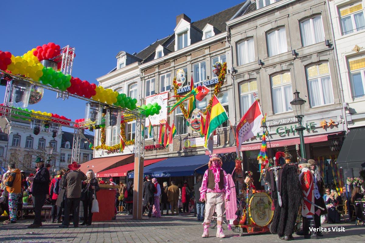 Cosy atmosphere carnaval maastricht netherlands Verita's Visit