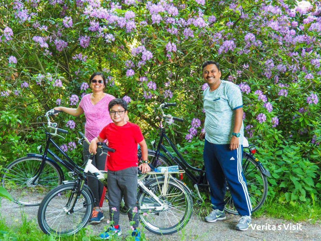 family bike tour Verita's Visit Hague Haag familie fietstocht met gids