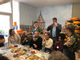 Group activity Gouda cheese Verita's Visit groepsactiviteit koffie & kaas
